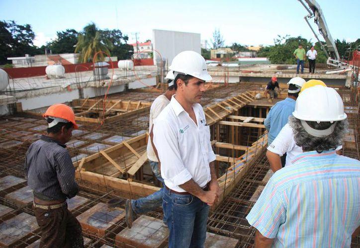 Los trabajadores colocaron loza en el área de comensales y el comedor. (Cortesía/SIPSE)