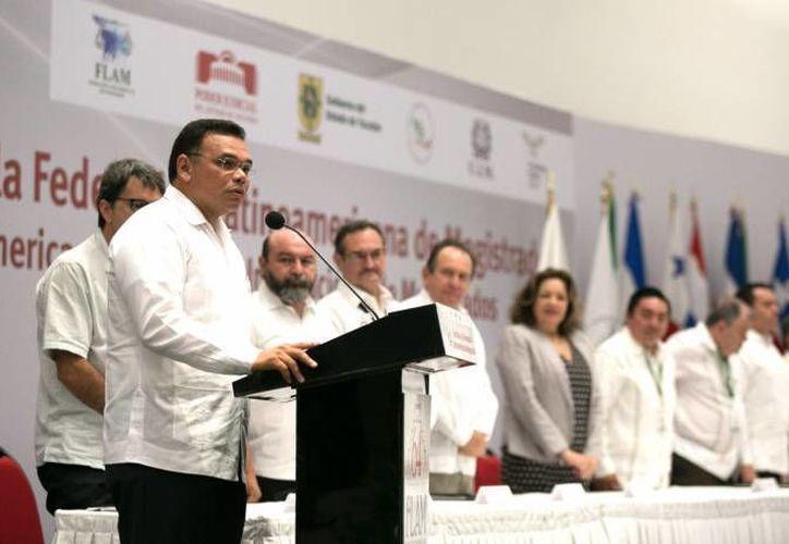 El gobernador Rolando Zapata estará este jueves en Centro de Convenciones Yucatán Siglo XXI debido a eventos relacionados con la CMIC. (SIPSE)