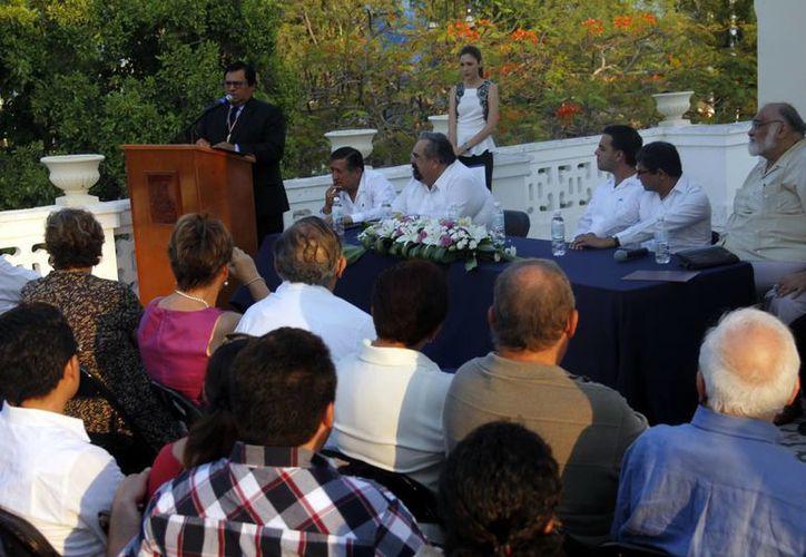 Cronistas meridanos reconocen trabajo de Mons. Camargo Sosa. (Juan Albornoz/SIPSE)