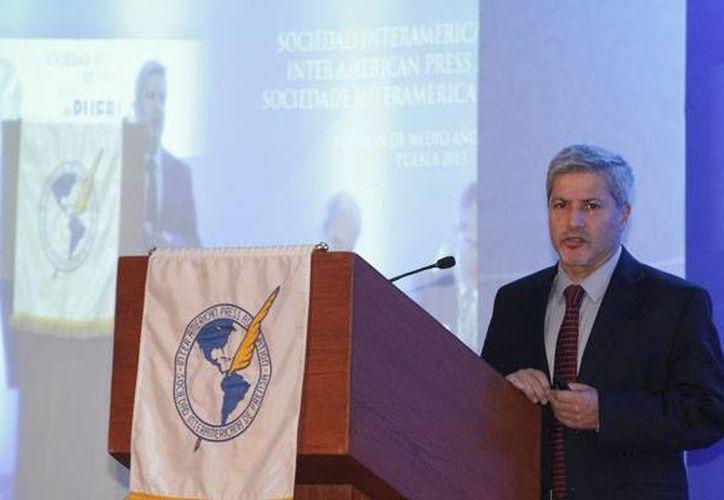 Marco Arauz, subdirector de contenidos del diario ecuatoriano El Comercio, durante su intervención en el seminario-panel. (sipiapa.org)