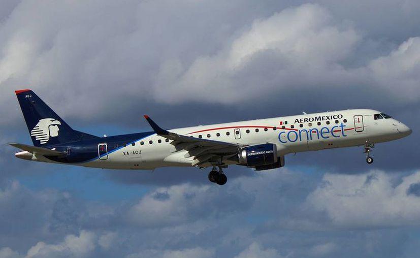 Foto de contexto de un avión de la línea aérea  Aeroméxico Connect. En Monterrey, uno de estos aviones aterrizó en un aeropuerto equivocado. (planespotters.net)