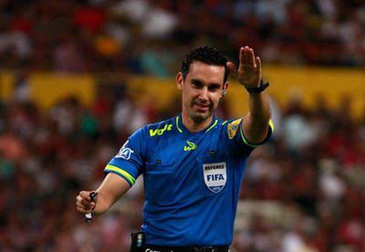 César Arturo Ramos Palazuelos tendrá la difícil tarea de pitar en el clásico nacional Chivas vs América, en el estadio de Guadalajara. (Archivo/Jammedia)