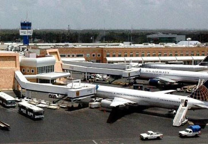 Los aeropuertos de Cancún  y Cozumel son dos de los tres que más pasajeros movilizan, informa Asur. (Foto de contexto/SIPSE)