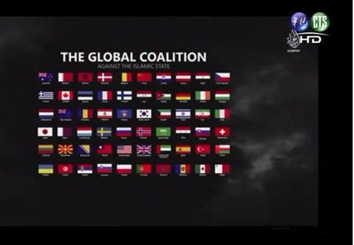 La bandera mexicana aparece en el nuevo video del Estado Islámico, pero no se hacen señalamientos de forma directa. (YouTube)