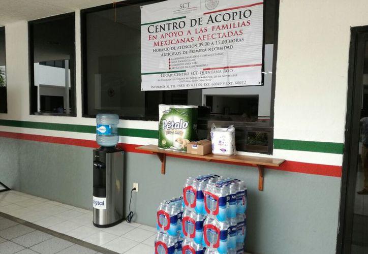 Piden agua embotellada, alimentos enlatados, artículos de aseo personal y ropa, entre otros. (Joel Zamora/SIPSE)