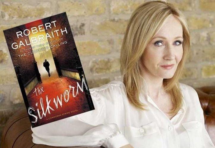 The Silkworm, segundo libro de género policíaco de J.K. Rowling, encabeza las listas del dominical The Sunday Times de los más vendidos en el Reino Unido. (Red-crucero.com)