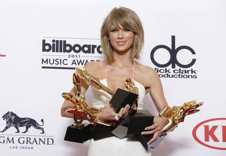 En una carta abierta a Apple, Taylor Swift criticó el nuevo servicio de música de la compañía por no pagar a los artistas durante los tres meses que durará la prueba gratuita.