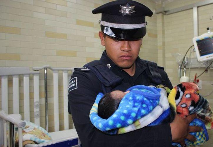 El recién nacido fue abandonado presuntamente por su padre, en calles de la colonia Aquiles Serdán, Puebla. (Foto: Sexenio)