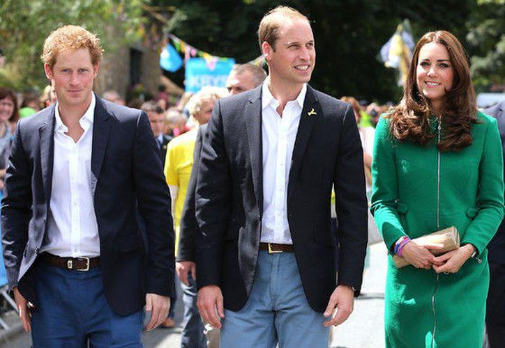 El candidato además brindaría apoyo al equipo general de comunicaciones del palacio real. (Contexto)