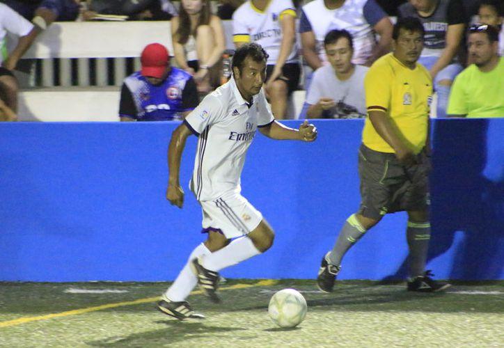 Fue una jornada de muchos goles. Los Caníbales sobresalieron con la vapuleada de 10-0 que le metieron a Caribe AC. (Miguel Maldonado/SIPSE)