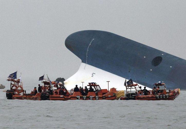 La tragedia mantiene en vilo a todo Corea del Sur por la edad de los ocupantes del barco. (EFE)
