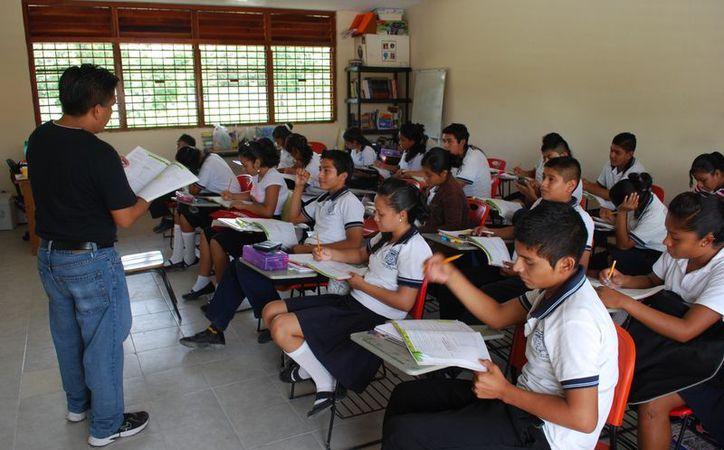Con la reforma se espera mejorar el sistema educativo y el aprovechamiento de los estudiantes. (Jesús Tijerina/SIPSE)