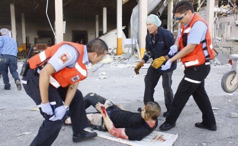 El área donde ocurrió la explosión manejaba ácidos, indicaron los empleados. (Agencias)