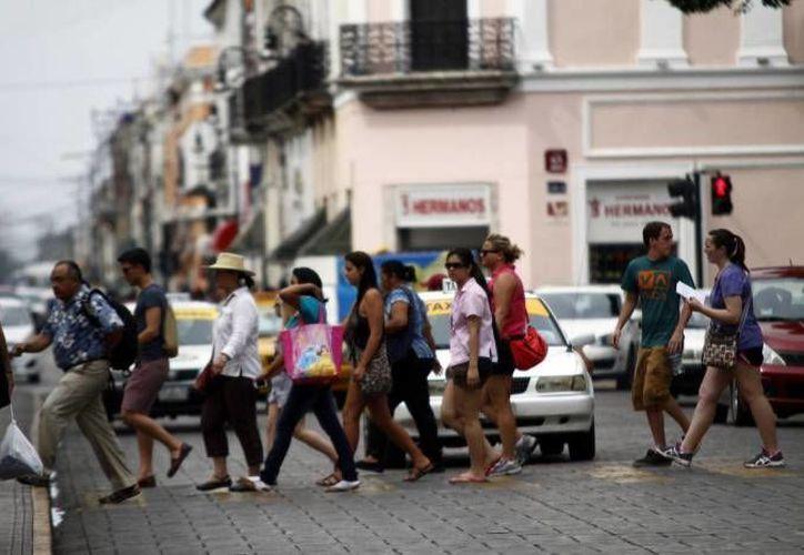 A diario, decenas de visitantes son engañados en pleno corazón de la capital yucateca. (Archivo/ SIPSE)