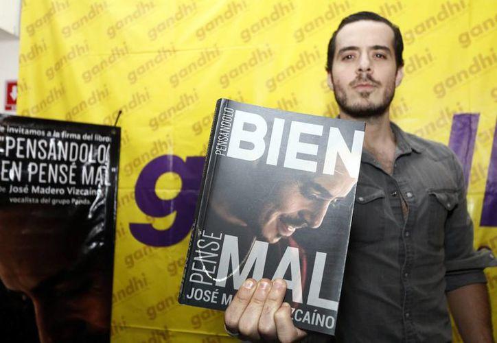 Tras el éxito de su primer libro 'Pensándolo bien… pensé mal', el vocalista de PXNDX, José Madero, prepara su segundo libro el cual es una serie de ensayos en los que plasmará lo que no le gusta del mundo y las personas. (Archivo de Notimex)
