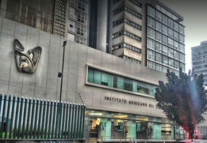 Sesi de cada 10 mexicanos están afiliados al IMSS. (López Dóriga)