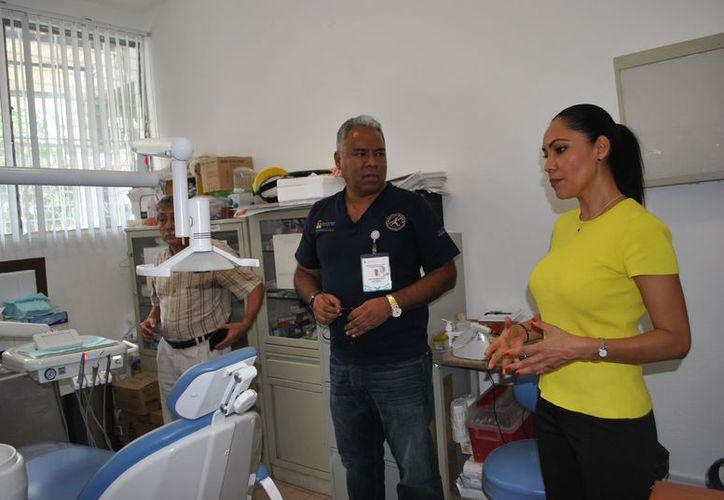 Recorre clínicas de Cancún, la titular de Sector Salud (SESA) en Quintana Roo. (Foto: SESA)