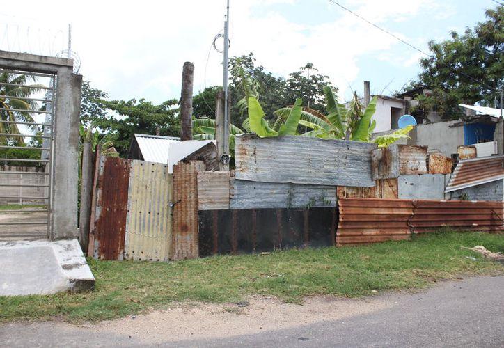 Entre Bacalar y Othón P. Blanco, más de seis mil hogares viven sin servicios básicos. (Joel Zamora/SIPSE)