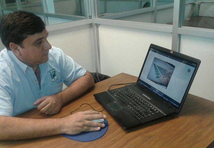 El docente Enrique Alberto Trejo Guzmán. (Licety Díaz/SIPSE)