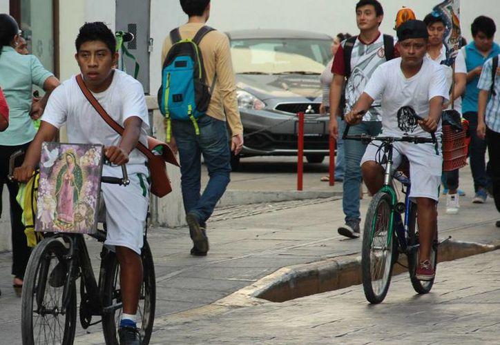 Un grupo de antorchistas yucatecos que viajó a Chiapas sufrió un accidente. Fallecieron 4 corredores. La imagen, de antorchistas en Mérida, está utilizada solo con fines ilustrativos. (Milenio Novedades)