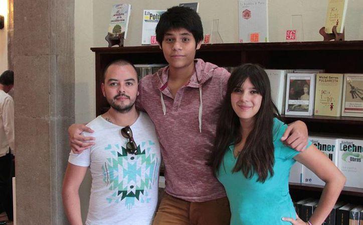 """Fernando Rangel, Jorge Letona y Ana Cecilia Escalante impulsan el proyecto """"Amparo digital"""" en Mérida. (Milenio Novedades)"""