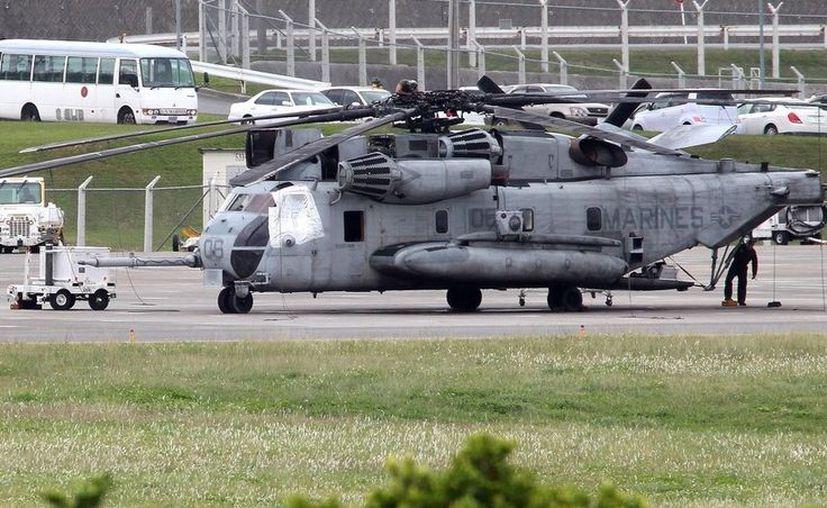 El helicóptero volaba hacia su base cuando se desprendió lo que algunos llaman ventana y otros, una puerta. (Foto: El Clarín)