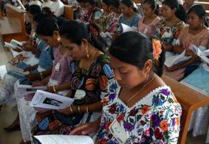 Jóvenes mayas cuentan con la oportunidad de encauzar sus habilidades en instituciones educativas del nivel superior. (Cortesía/SIPSE)