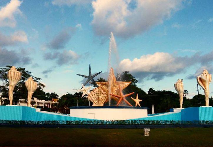 Este icónico monumento fue creado con el objetivo de fortalecer la identidad de Cancún. (Sheila Cetina/ SIPSE)