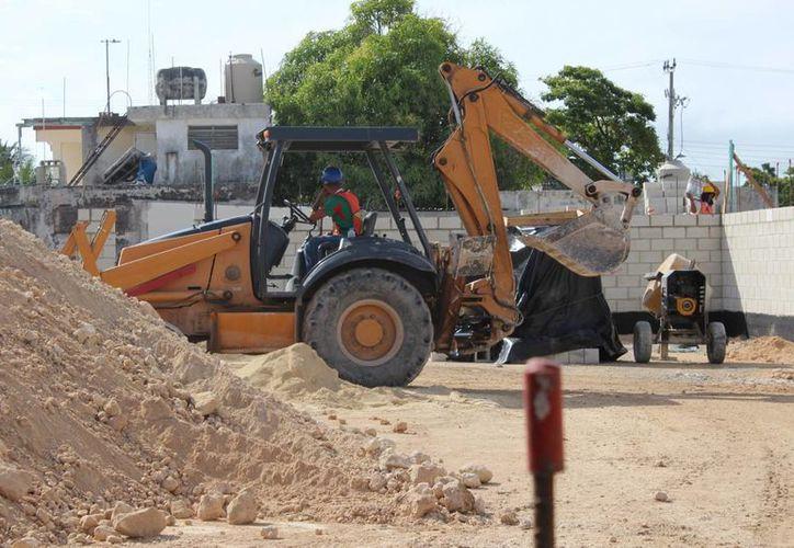 La casa más económica tiene un costo de 320 mil a 330 mil pesos. (Eddy Bonilla/ SIPSE)