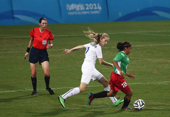 La atleta cancunense , en la Olimpiada Nacional obtuvo la medalla de oro con el equipo juvenil mayor femenil. (Foto/Internet)