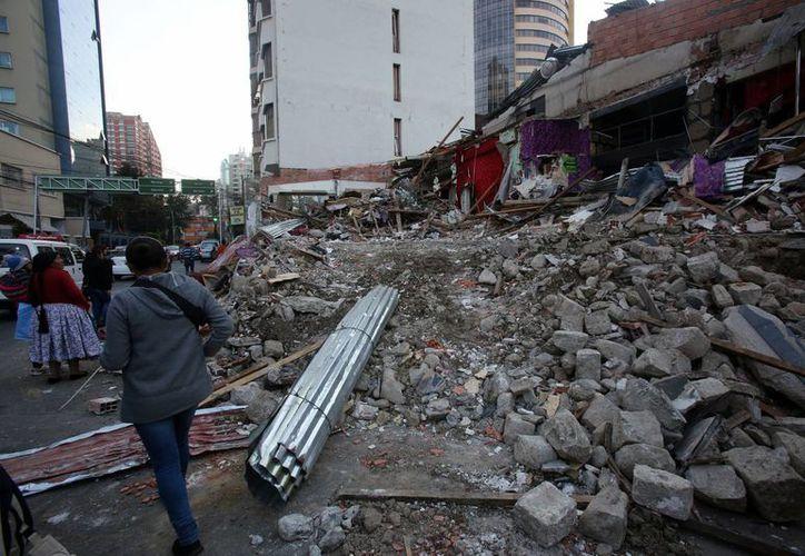 La demolición del club nocturno Katanas en La Paz, cuyo propietario es investigado por supuesta trata y tráfico de mujeres extranjeras, fue por decisión de Noemí Cámara, la hija del dueño y principal denunciante del caso. (EFE)
