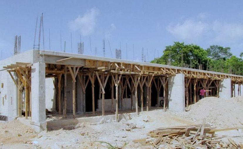Algunas escuelas están en proceso de rehabilitación y mantenimiento por parte del gobierno del estado. (Juan Palma/SIPSE)