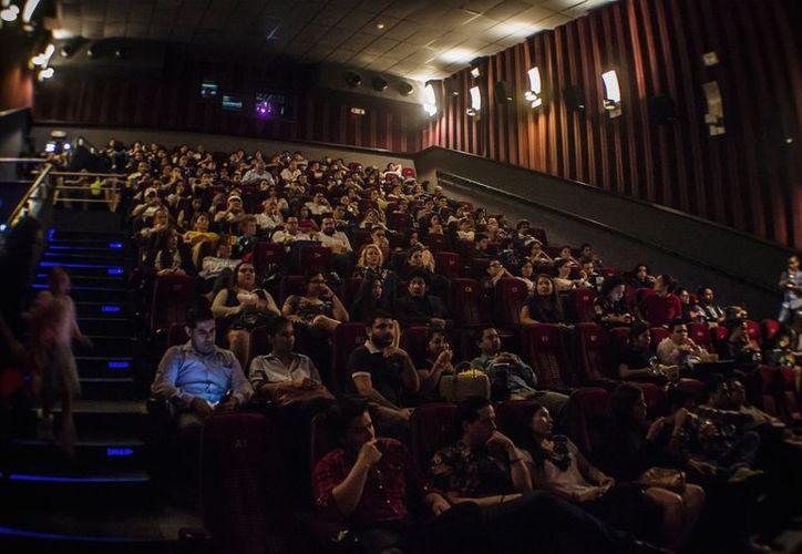 En la pasada función asistieron aproximadamente 200 personas, y en esta ocasión prevén un lleno total en ambas proyecciones. (Joel Zamora/SIPSE)