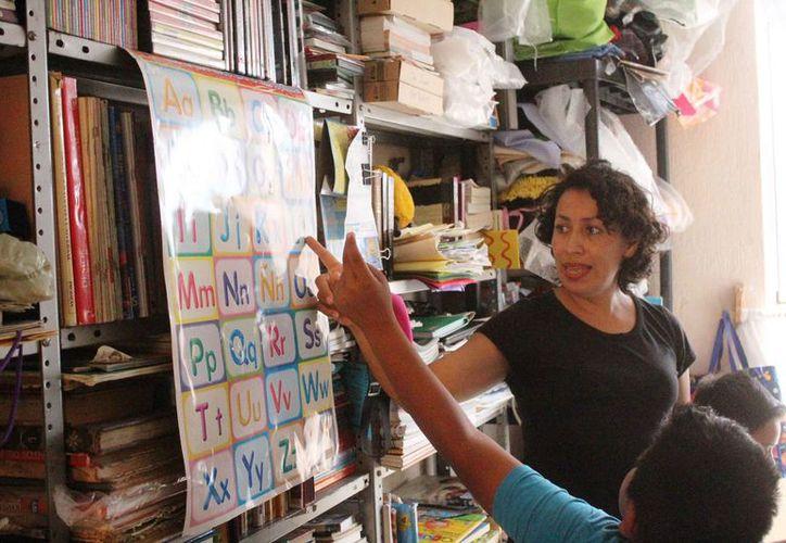 Cerca de 60 menores de edad toman clases en casas del fraccionamiento Villas del Sol, de Playa del Carmen. (Octavio Martínez/SIPSE)