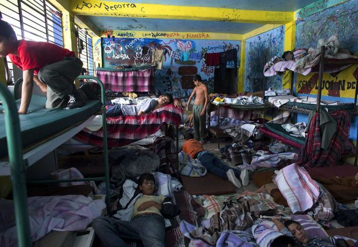 El operativo federal en La Gran Familia sacó a la luz las condiciones infrahumanas en las que vivían cientos de menores. (Archivo/AP)