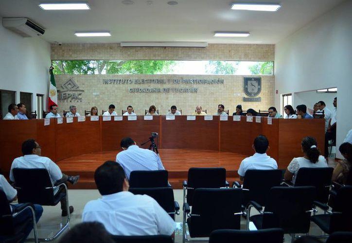 El Consejo General del Iepac sesionará mañana para tratar, entre otros asuntos, el de la integración de los consejos electorales municipales. (SIPSE)