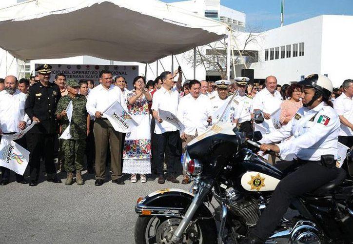 En el Operativo de Semana Santa Yucatán 2015 participan 7,000 elementos de diversas corporaciones, incluidas la Fuerzas Armadas. (Oficial)