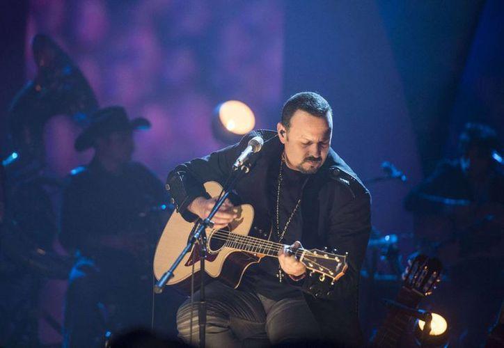 Pepe Aguilar lanza esta semana el sencillo 'Prometiste' de su disco 'MTV Unplugged'. (zeta92.lamusica.com)