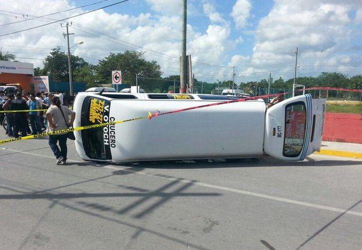 El saldo del accidente es de dos herido; ambos fueron trasladados a hospitales privados. (Redacción/SIPSE)
