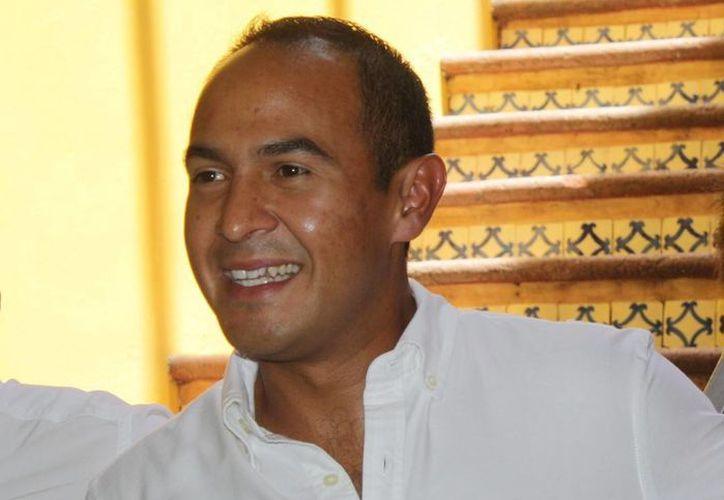 """""""Es mejor que sean mesurados y regresen a la aulas"""", aconsejó Carrillo Soberanis. (Adrián Barreto/SIPSE)"""