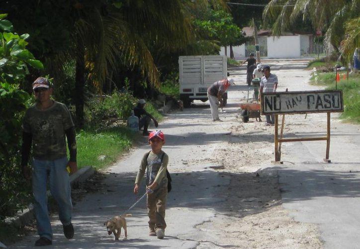 Las familias que habitan en las cercanías de la avenida Costera fueron de las primeras en conectarse, pues viven cerca de la laguna. (Javier Ortiz/SIPSE)