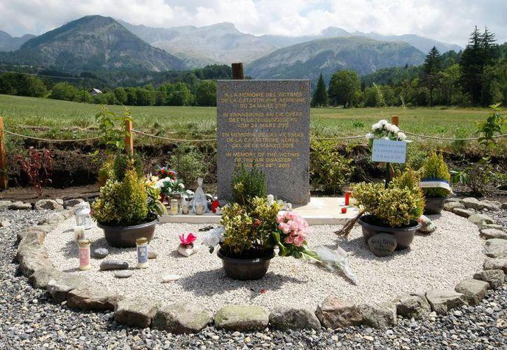 Este es el sitio donde familiares y amigos de las víctimas del avionazo de Germanwings, en marzo de 2015, recuerdan a sus seres queridos. (AP)