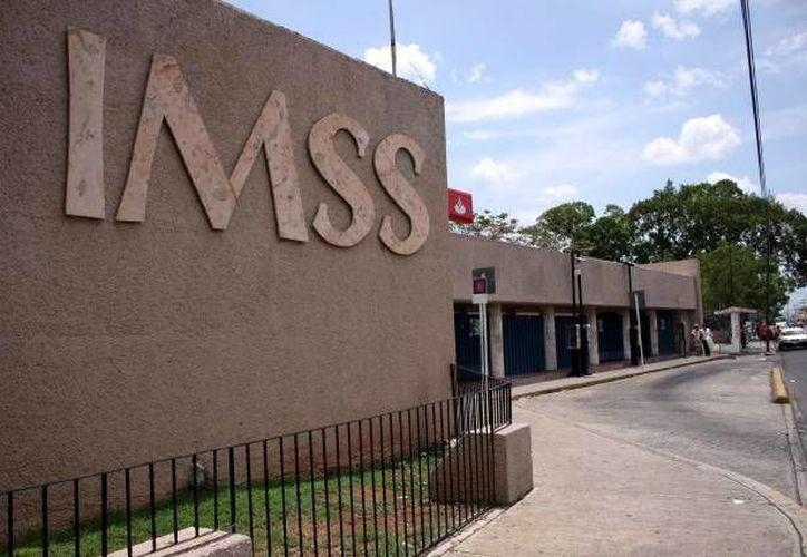 En el año que viene varios hospitales del IMSS serán mejorados. Imagen de la entrada del Hospital General Regional  No. 1 'Ignacio García Téllez'. (Milenio Novedades)