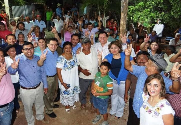La campaña de Gustavo Madero continúa recorriendo municipios de Yucatán. (SIPSE)
