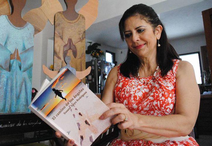 La profesora Susana Troyo Rodríguez, presidenta fundadora de la Asociación 'Sueños de Ángel', quien apoya a niños con cáncer para continuar sus estudios mientras enfrentan sus tratamientos. (Milenio Novedades)