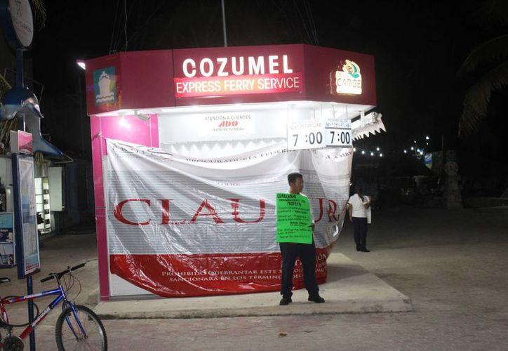 El amparo promovido por Barcos Caribe fue desechado; sigue clausurado su módulo de venta en Playa del Carmen. (Adrián Barreto/SIPSE)