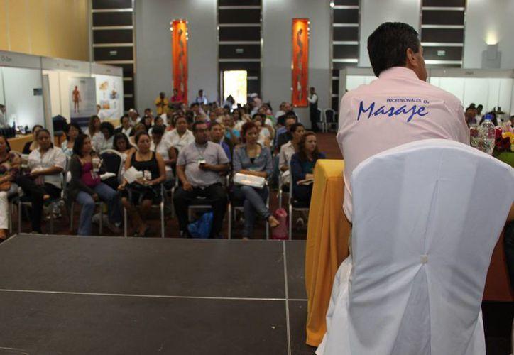 Se presentaron ponencias durante la Expo Masaje 2013. (Loana Segovia/SIPSE)