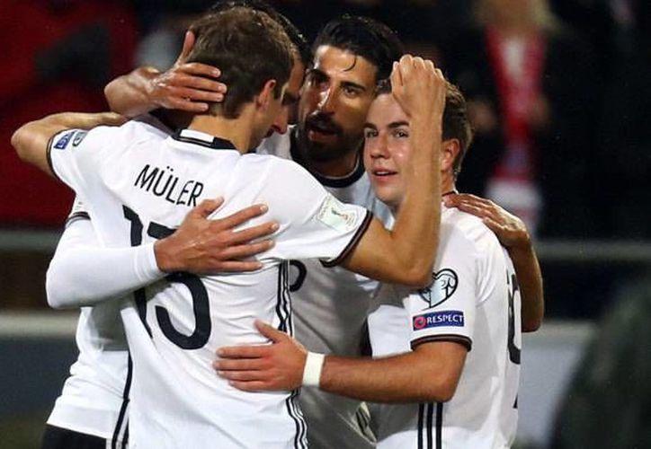 Alemania anotó dos goles al principio del partido contra Irlanda del Norte, lo que le bastó para ganar y seguir invicto en la eliminatoria mundialista. (marca.com)