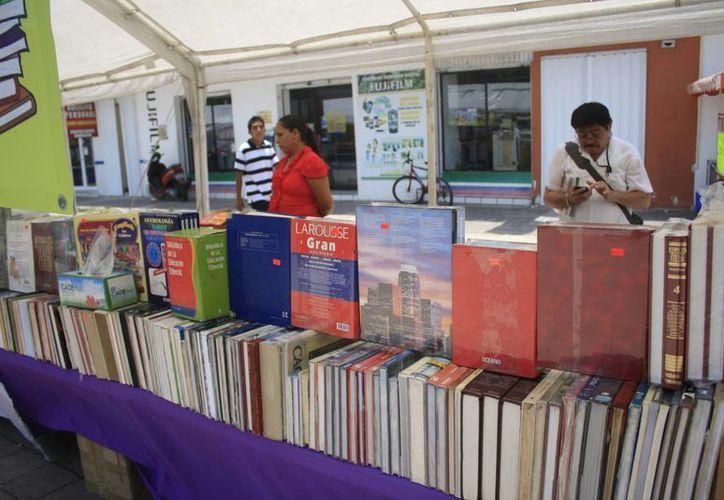 Alrededor de 450 libros se comercializaron en un mes, durante la Feria del Libro que montó la Asociación Nacional de Libreros de México. (Jorge Carrillo/SIPSE)