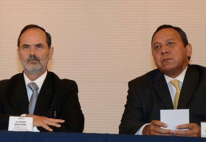 Los líderes del PAN Gustavo Madero y del PRD Jesús Zambrano. (Archivo)